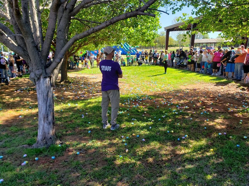 20190420_105340_egg hunt about to begin